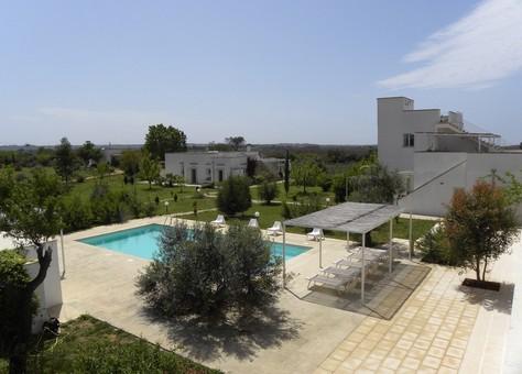 Villa Zefiro vista dalla piscina